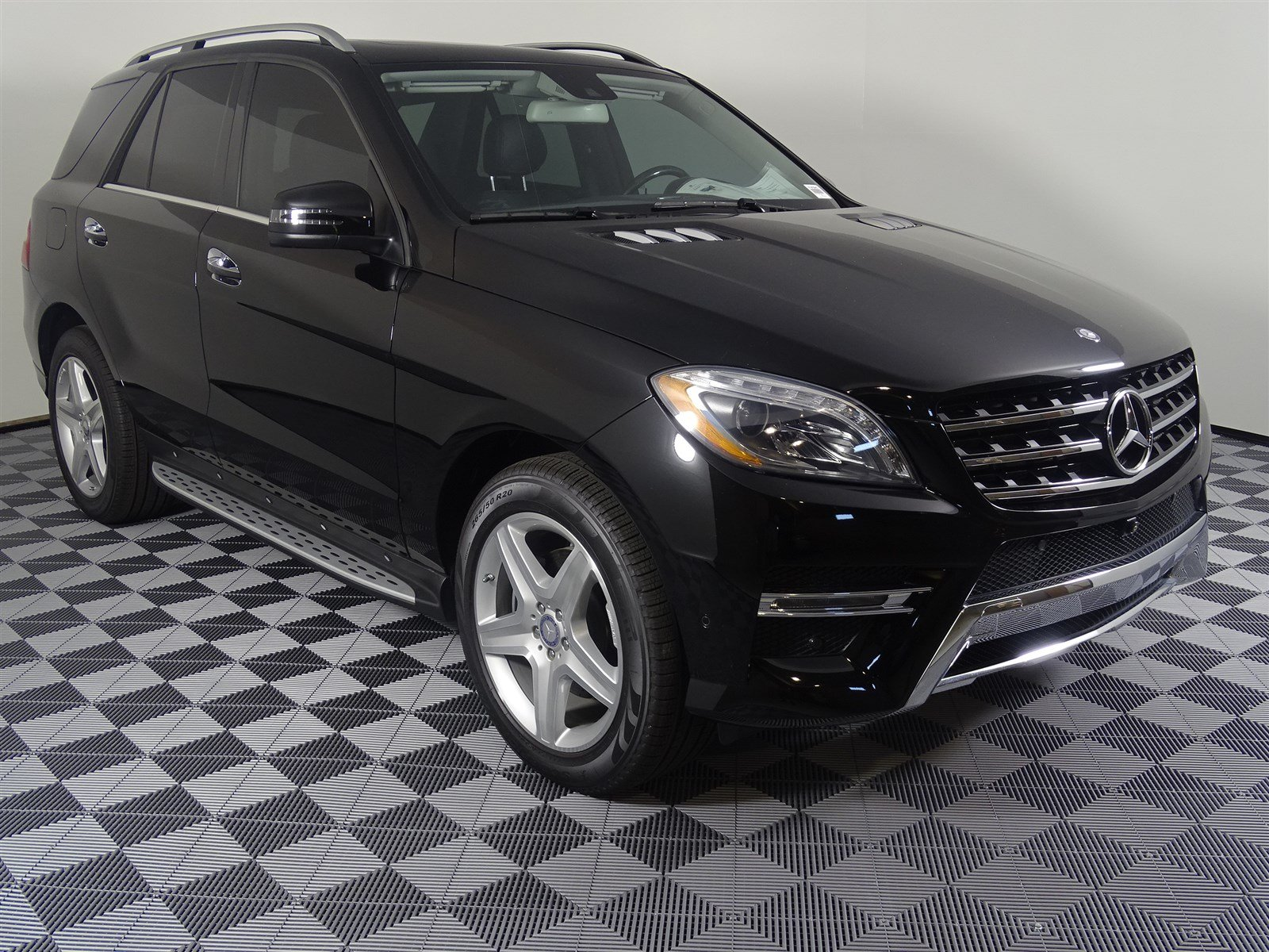 Pre-Owned 2015 Mercedes-Benz M-Class ML 400