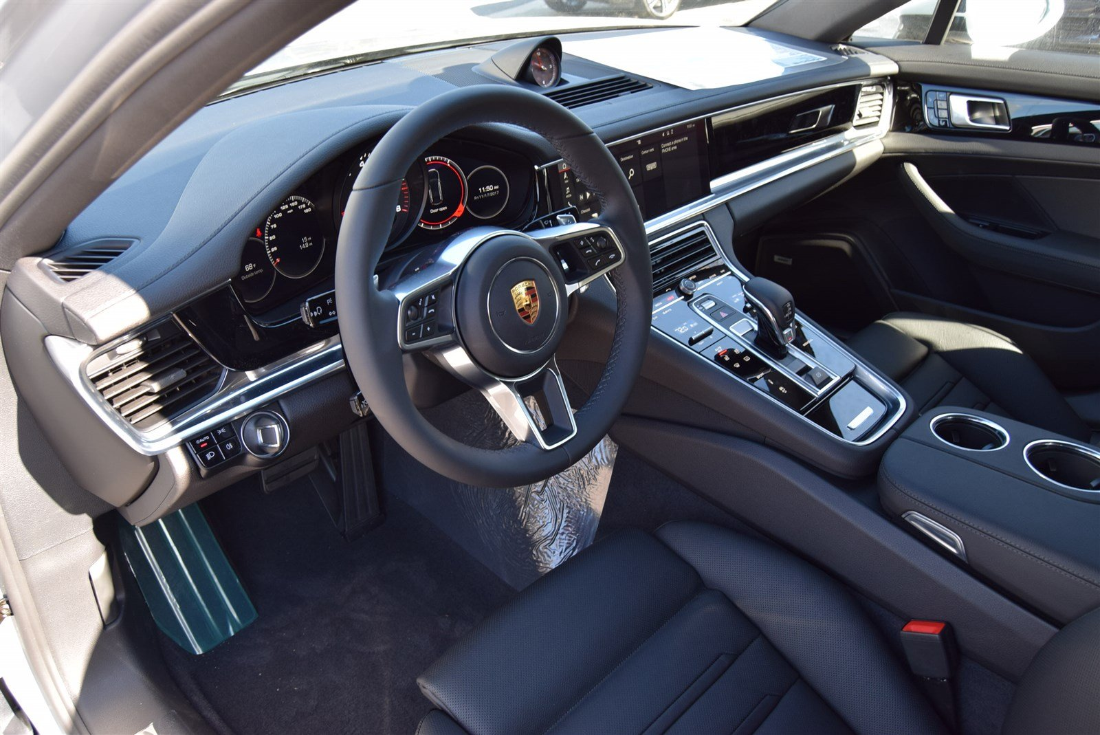 Certified Pre-Owned 2018 Porsche Panamera 4DR HB RWD