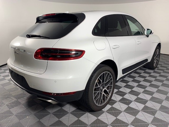 Certified Pre-Owned 2017 Porsche Macan 4DR SUV AWD